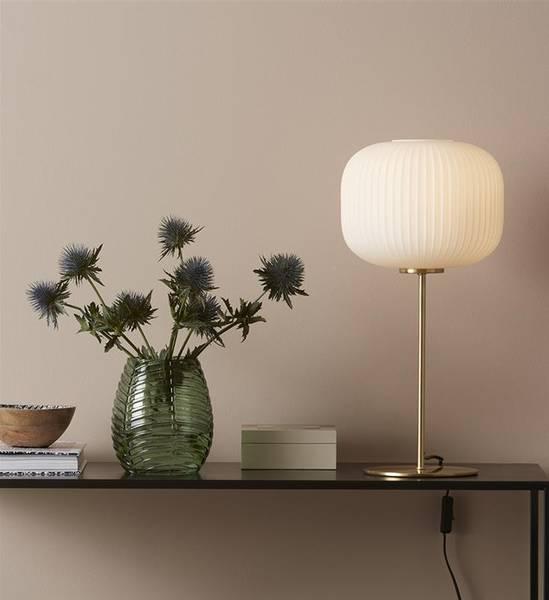 Bilde av Sober Bordlampe opal/messing