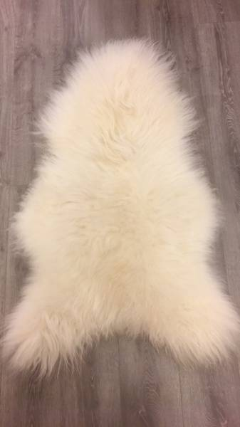 Bilde av Saueskinn hvit lang